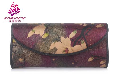 女包加盟品牌玫瑰有约教你认识包包的油边